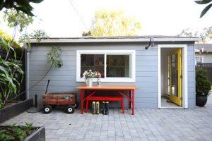 Detached garage living space